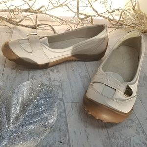 Land's End Off White Velcro Strap Flats Size 10